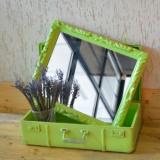 valiza verde cu oglinda